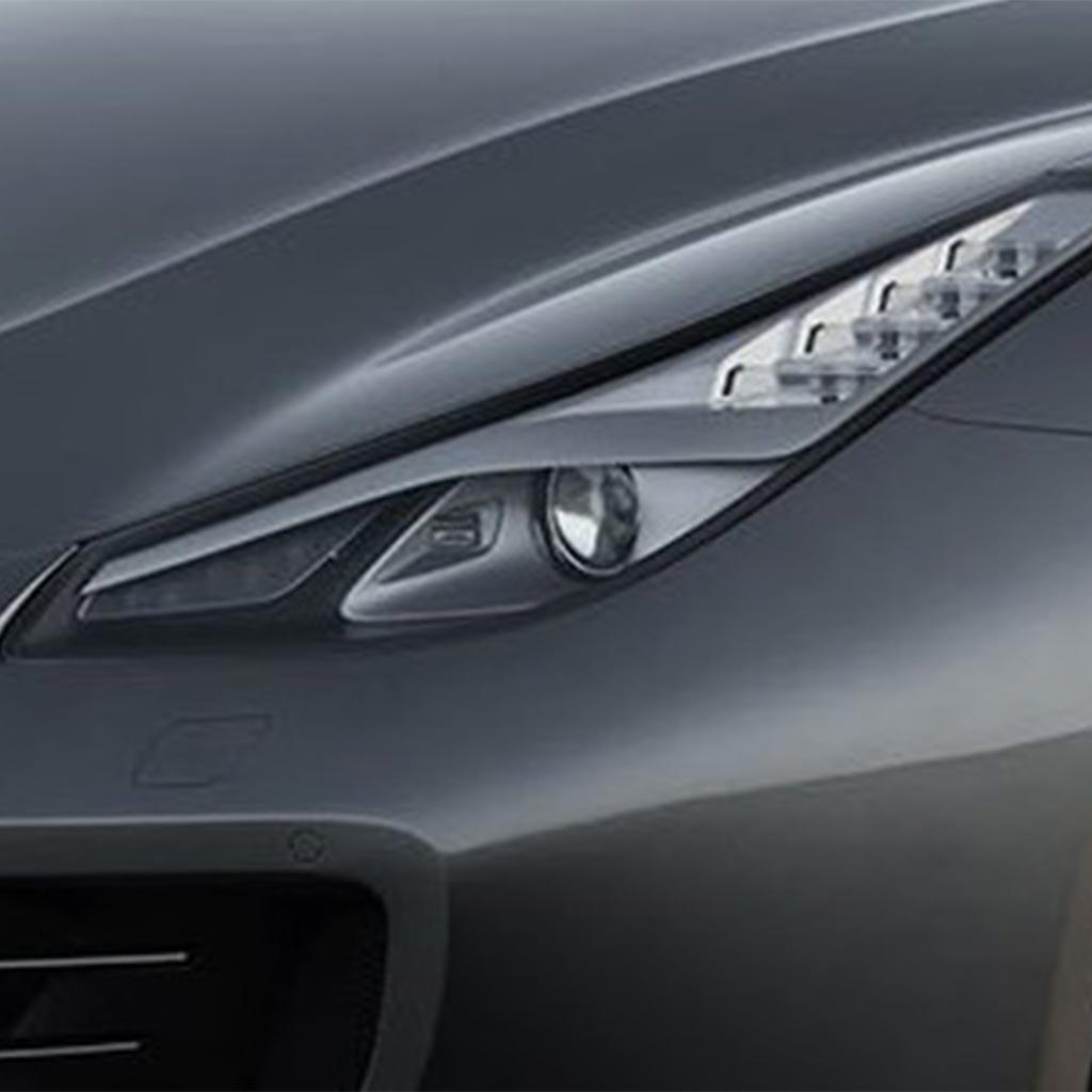 La nouvelle FERRARI GTC 4 Lusso intègre la fonction cornering